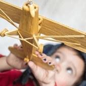 Viajar es una de las mejores formas de que nuestros peques vivan nuevas experiencias y si el viaje es en avión, ¡entonces la experiencia se convierte en algo inolvidable! 😄  Eso sí, cuando programamos un viaje con niños es importante organizarse para que todo vaya bien. Por eso, en nuestro último post os contamos algunos trucos para que vuestro viaje en avión con niños sea más placentero. ✈️  ¿Listos para despegar? 🌍 👉🏽 www.injusa.com  . . #viajar #viajarconniños #viajes #avión #planes #niños #niñas #planesconniños #blog #Injusa