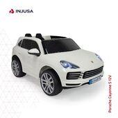El Porsche Cayenne S 12V biplaza es una réplica oficial de Porsche fabricada con la garantía de la marca Injusa, repleto de extras y espectaculares acabados similares al modelo real.👌🏽  ▪️ Volante con sonidos ▪️ Tablero de instrumentos de imitación con radio FM, tarjeta micro SD, entrada de USB, conexión MP3 y volumen ajustable ▪️ Suspensión trasera ▪️ Luces delanteras y traseras ▪️ Funciona con mando de radio control ▪️ Las puertas se abren como el Porsche real ▪️ Alcanza una velocidad máxima de entre 5 y 6 Km/h ▪️ Recomendado a partir de 3 años  ¡Disponible en nuestra web!  👉🏼 www.injusa.com  . . #Porsche #PorscheCayenne #PorscheCayenneS #cocheeléctrico #cocheabatería #cochesdelujo #juguetes #cars #drive #toys #luxury #luxurylifestyle #industriajuguetera #madeinspain #Injusa