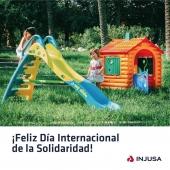 La solidaridad es la voluntad de compartir, por eso el juego es la herramienta más poderosa para hacerles entender su verdadero significado.   ¡Feliz Día Internacional de la Solidaridad! 🤎 . . #DíaInternacionaldelaSolidaridad #solidaridad #juego #niños